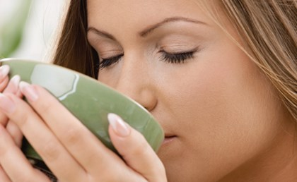woman_drinking_tea_768.jpg
